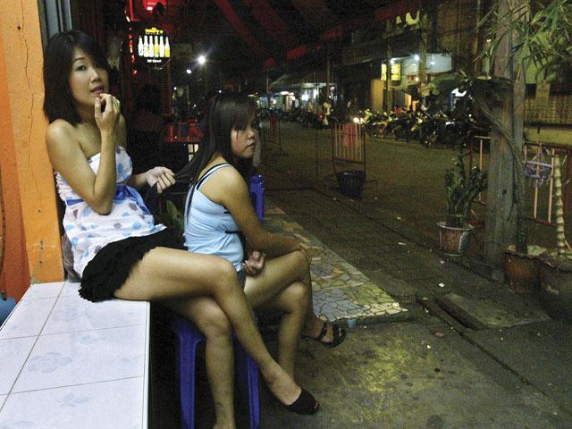 Дети проститутки тайланд семейная пара проститутки
