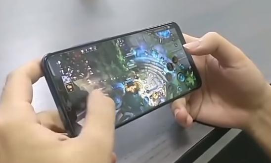 В сети появилось видео с мобильной версией League of Legends