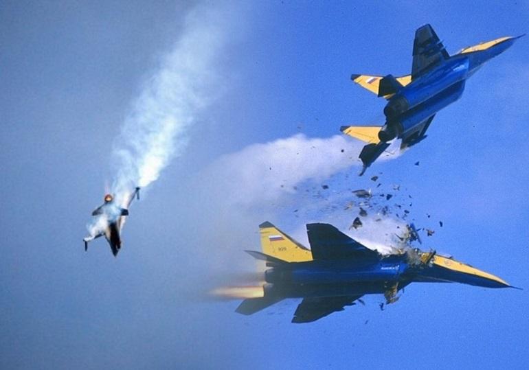 Под Липецком столкнулись в небе два истребителя СУ-34