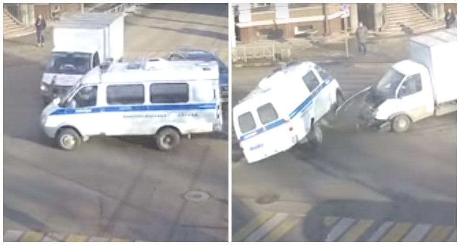 В Рязани в ДТП перевернулась полицейская машина