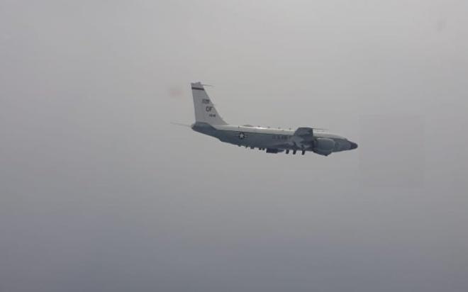 Американский самолет совершил разведку у границ Калининградской области