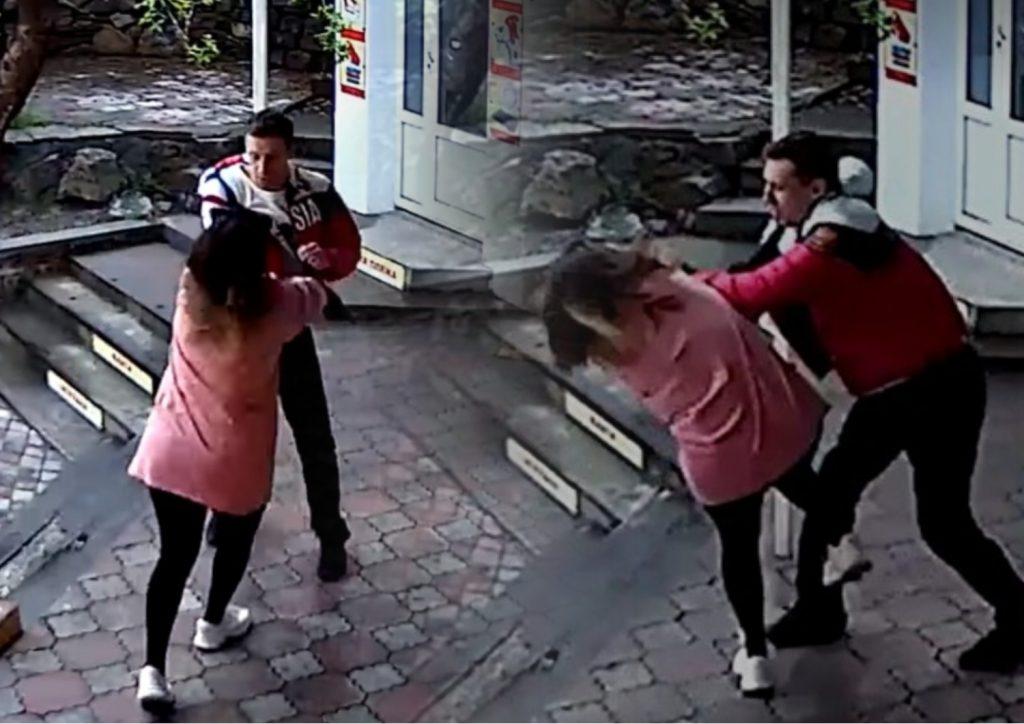 В Крыму тренер ММА избил продавщицу из-а требования надеть маску