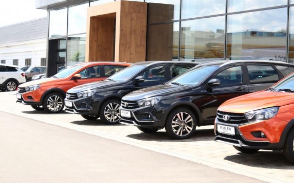 Продажи Lada вышли на докризисный уровень и продолжают расти