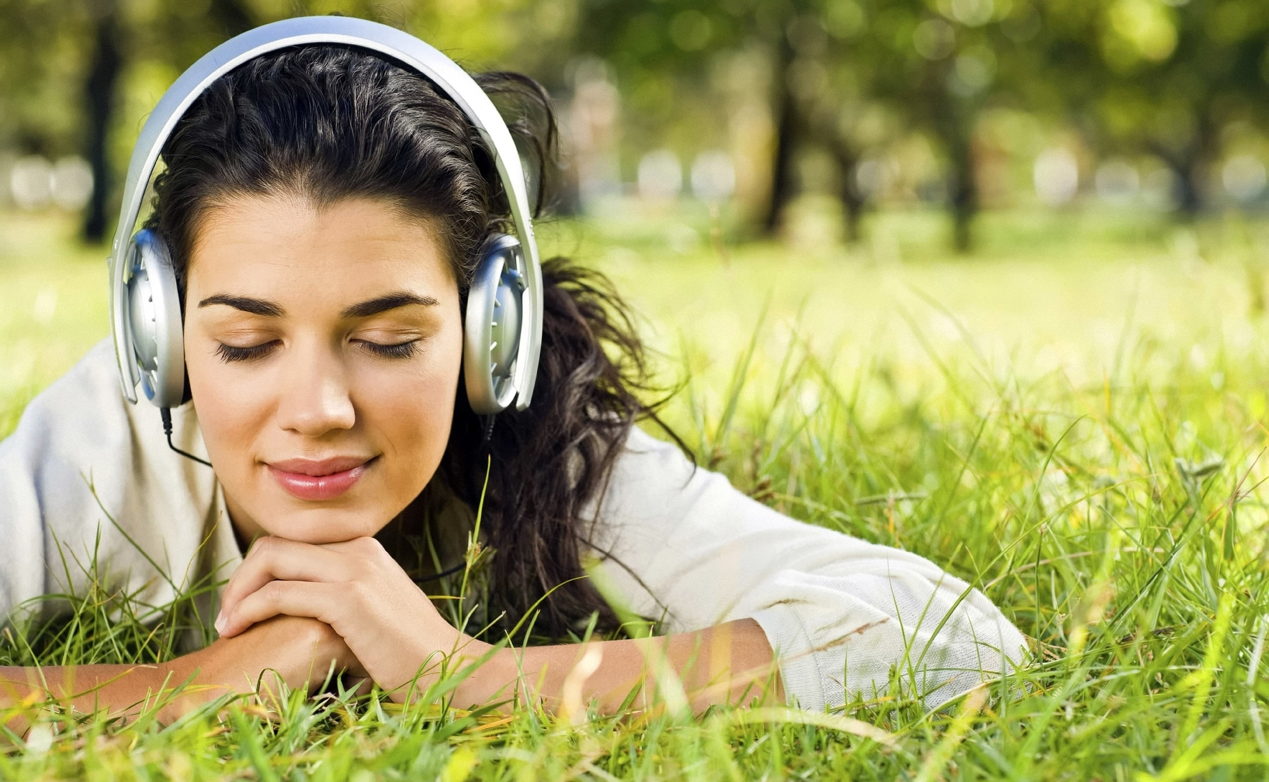Воздействие  любимой музыки намозг пояснили  учёные