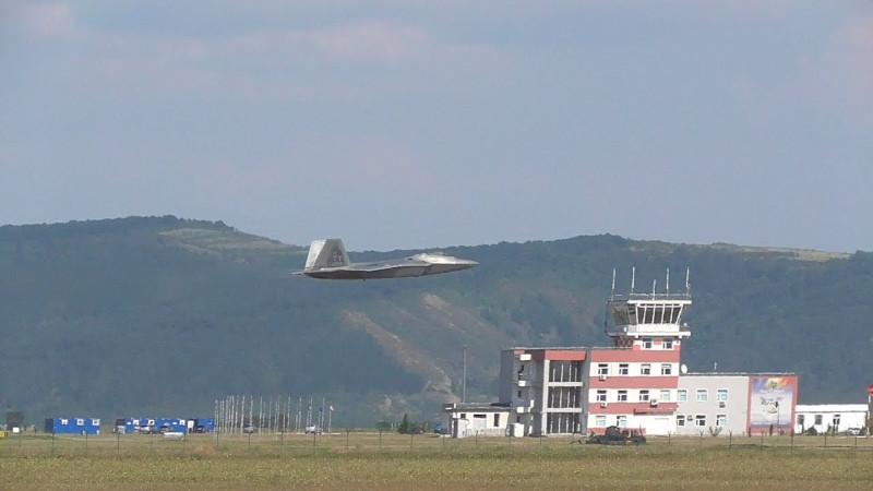США затратят 150 миллионов долларов на реконструкцию румынской авиабазы