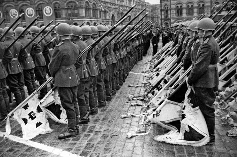 Исторический вопрос: предотвратила бы смерть Гитлера Вторую мировую войну?