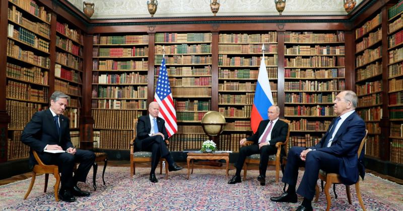 Западный политолог: эра американо-российских «перезагрузок» завершена