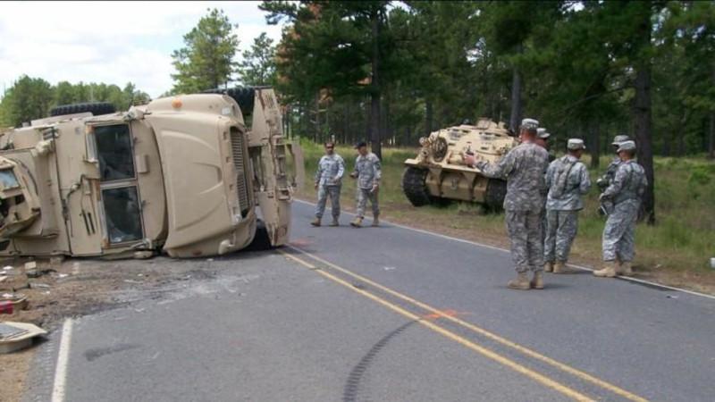 Причинами частых аварий тактического армейского транспорта в США признаны плохая подготовка и слабый надзор