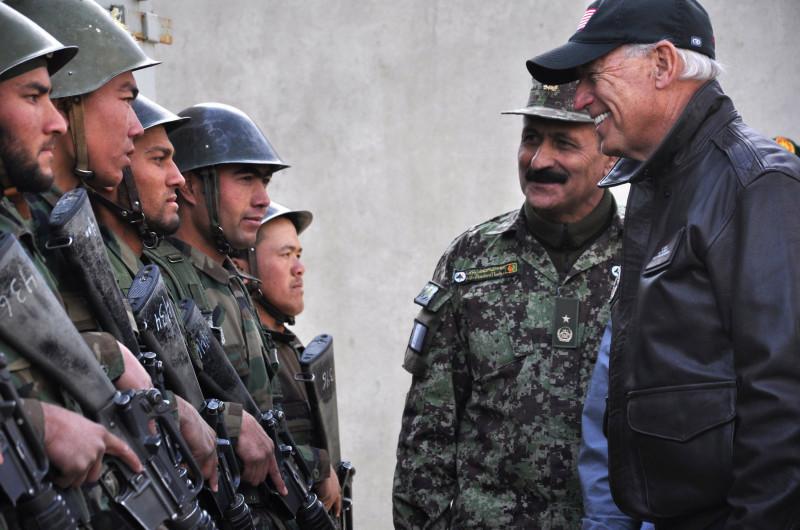 Миллиарды долларов США бесконтрольно исчезают в Афганистане