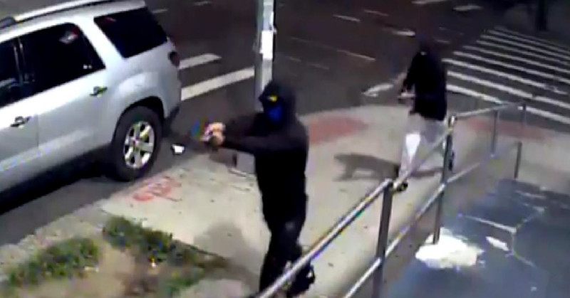 NYT: массовый расстрел в нью-йоркском Квинсе – 10 раненых
