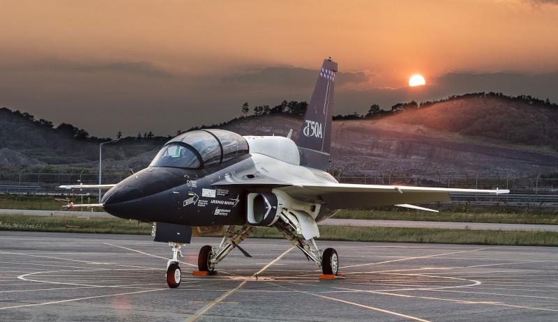 ВМС США подыскивают замену палубному учебно-тренировочному Т-45 «Госхок»