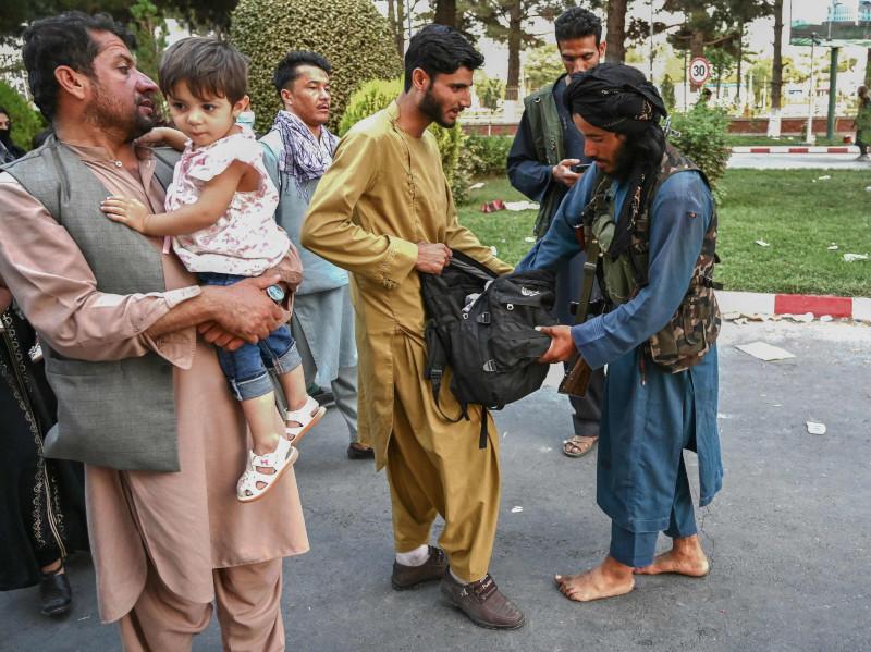 NYT: «Талибан» подавляет протесты и ведет охоту на бывших чиновников