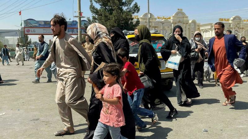 Беженцы из Афганистана: сколько эвакуируется и куда их направляют