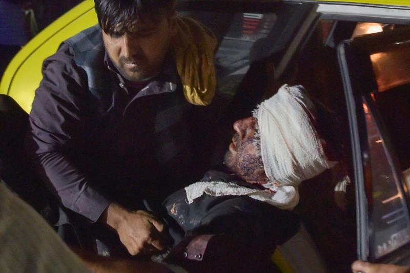 The Guardian: теракт в кабульском аэропорту дает представление о предстоящем хаосе в Афганистане
