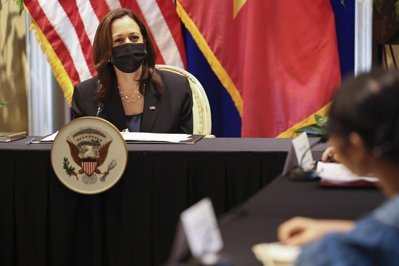 AP: Харрис призвала Вьетнам освободить политических диссидентов