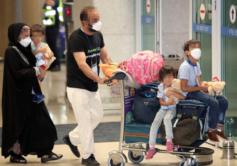 The Guardian: власти Южной Кореи называют прибывших афганцев «особо достойными людьми»