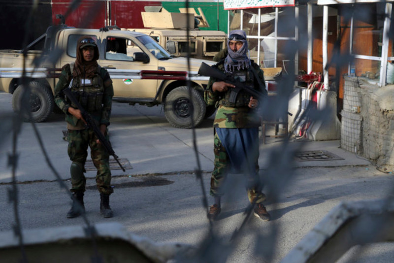 AP: охрана кабульского аэропорта переходит к «Талибану»