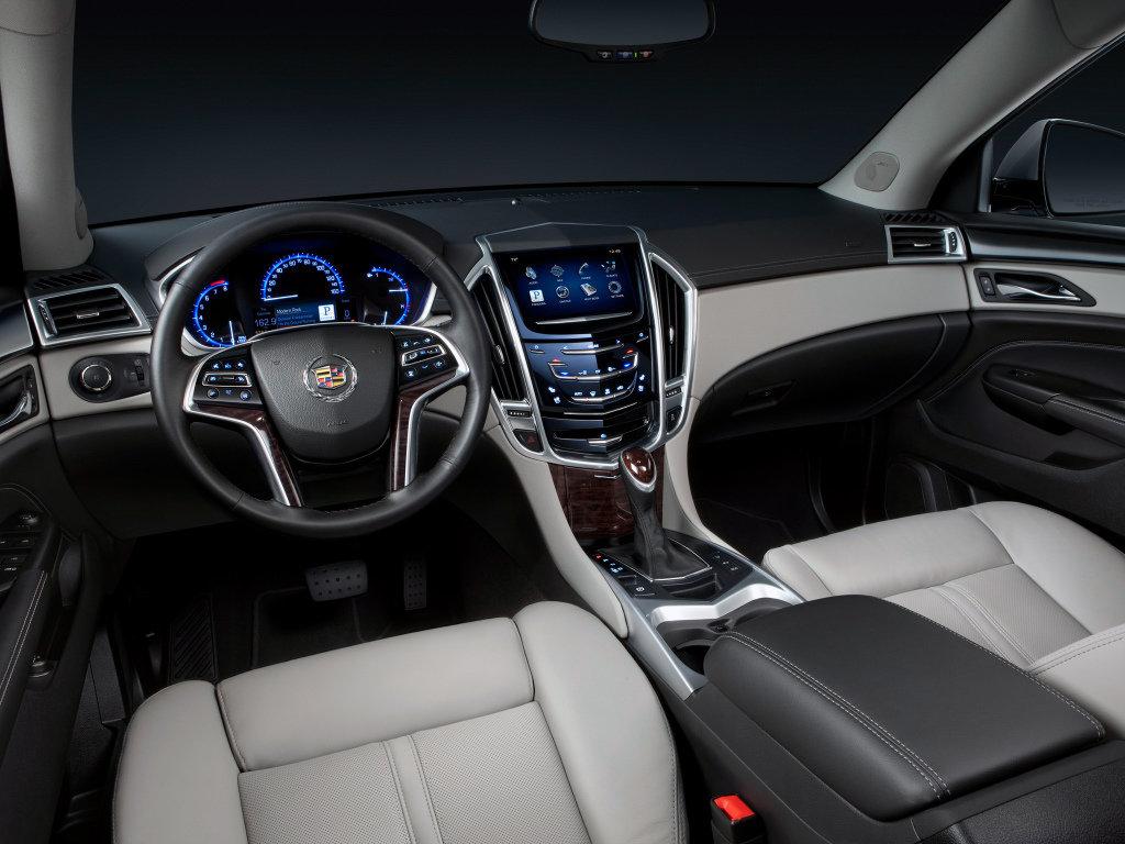 Краткий обзор Cadillac SRX