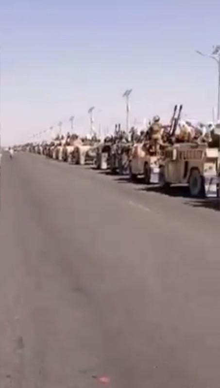 На грандиозном параде талибы показали «неисправное» американское вооружение и вертолет Black Hawk