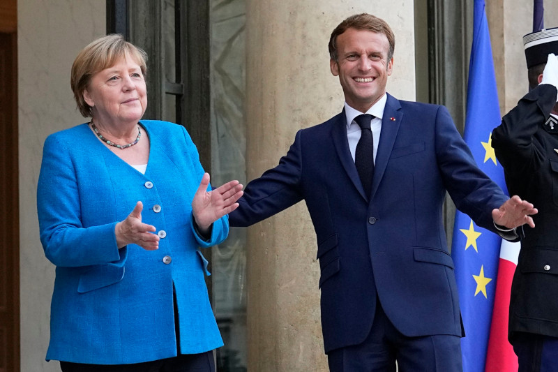 AP: союз Байдена с Австралией и Великобританией возмущает Францию и ЕС
