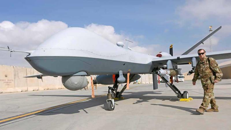 Китай впервые покажет реактивный боевой БПЛА CH-6