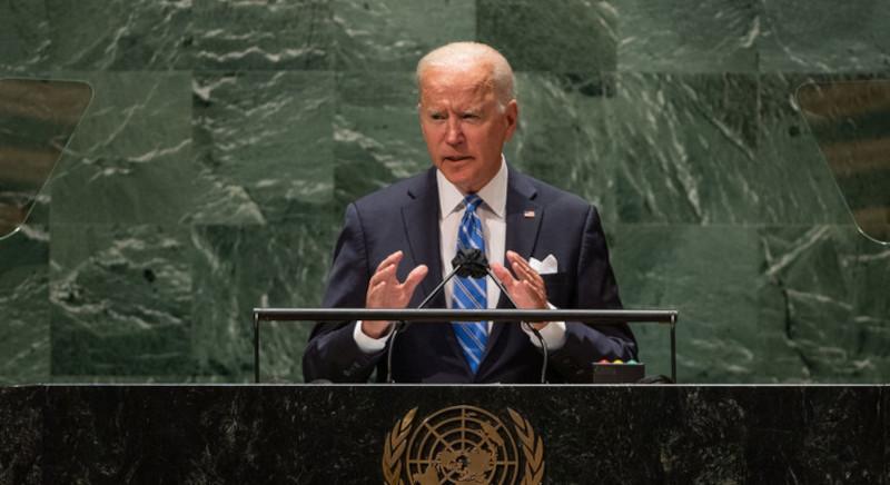 Старческая спешка: Байдену приходится действовать быстро для спасения своего президентства