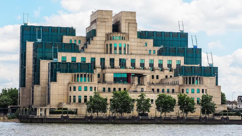 Миссия Джеймса Бонда: создать Британии имидж сверхдержавы