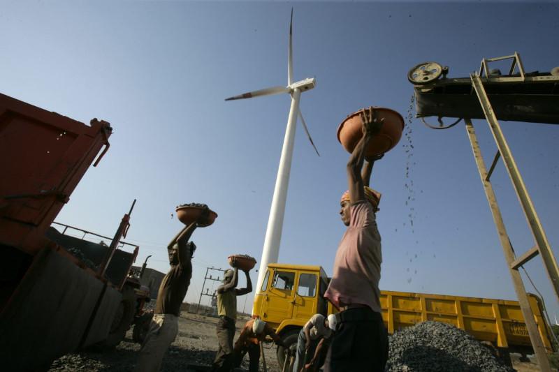 Индия испытывает энергетический кризис из-за нехватки угля
